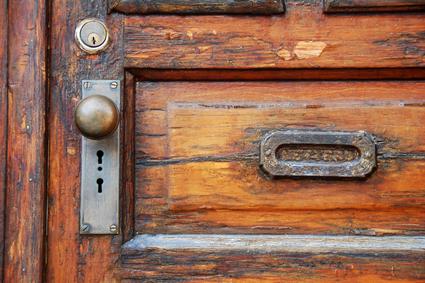 דלת בסגנון עתיק